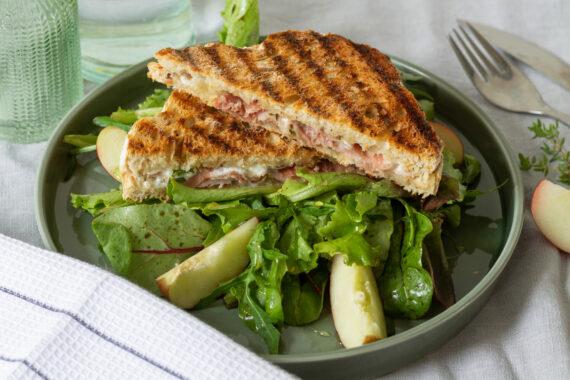 foto recept croque met ham en geitenkaas